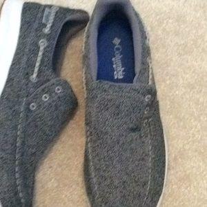 Men's 8.5 cloth slip on shoes